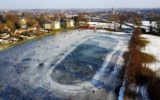 De ijsbaan vanuit de lucht…