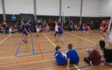 Scholen-volleybaltoernooi in de kerstvakantie in de sporthal