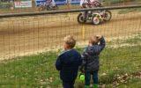 Ronkende motoren op circuit De Herikerberg…