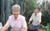 Medewerkers en ouderen Wheehof gezellig op stap