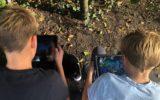 Fortnite 'in het echt' spelen in het bos op 't Doesgoor