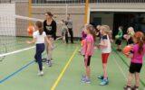 Volleybalclinics op Goorse scholen