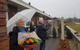 Hele Gijminkschool zingt voor de buren…