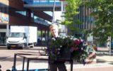Hofstreek in de lucht voor meer bloembakken in Goor