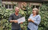 Kiekeboe schenkt geld aan roofvogelopvang