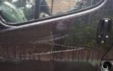 Bestelbussen vernield op parkeerplaats Mossendam