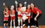 Twee kampioenen volleybalvereniging Dynamiek