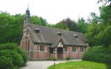 Kerkdienst in St. Mary's Chapel op TV Oost